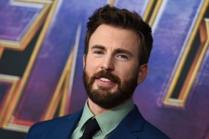 Chris Evans Trends On Twitter After Appearing To Post And Delete A Nude Pic